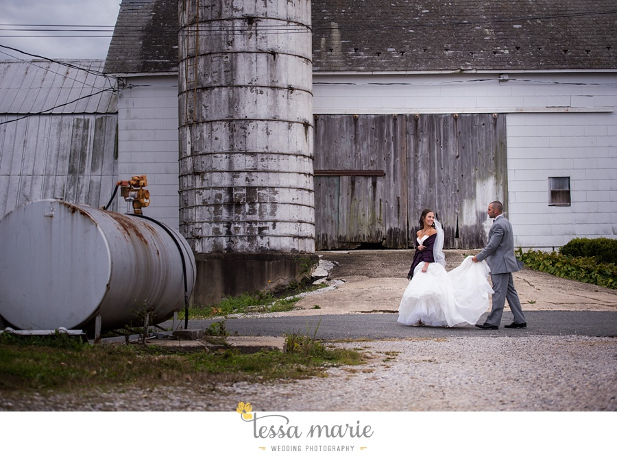 baltimore_outdoor_Wedding_pictures_fall_wedding_farm_wedding_tessa_marie_Weddings_0055