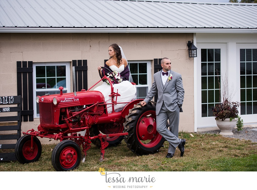 baltimore_outdoor_Wedding_pictures_fall_wedding_farm_wedding_tessa_marie_Weddings_0064