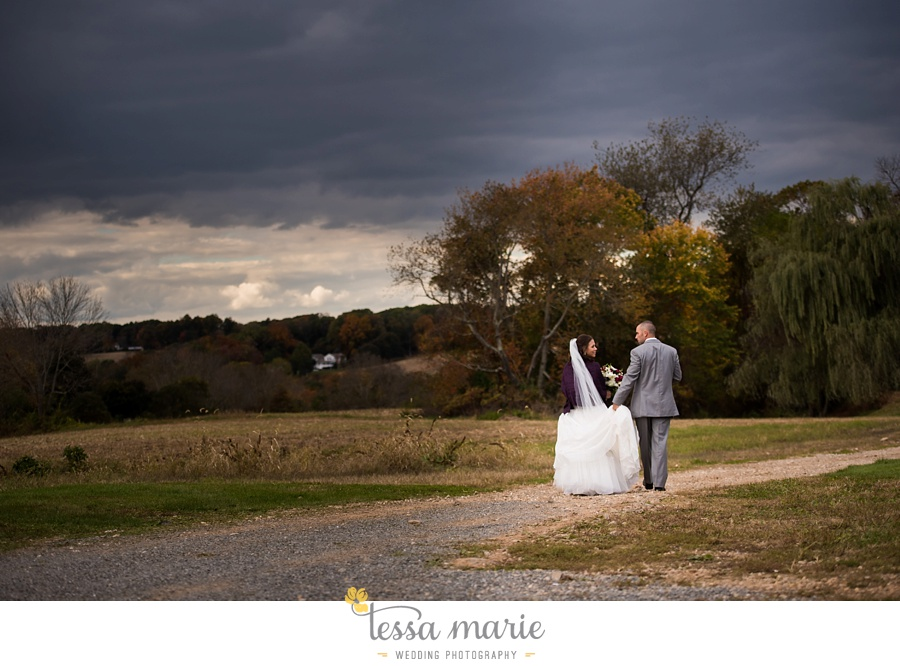 baltimore_outdoor_Wedding_pictures_fall_wedding_farm_wedding_tessa_marie_Weddings_0065