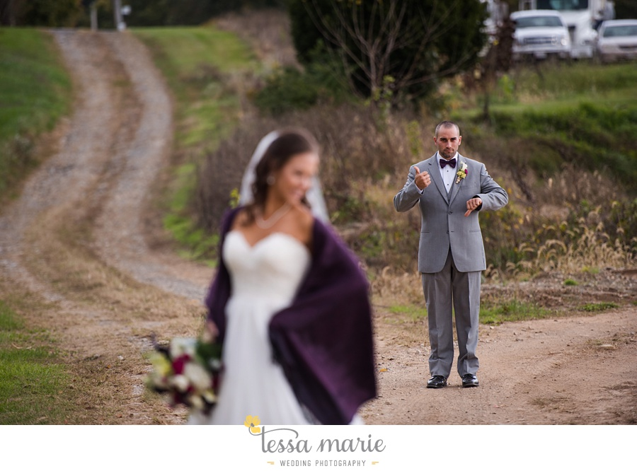 baltimore_outdoor_Wedding_pictures_fall_wedding_farm_wedding_tessa_marie_Weddings_0071