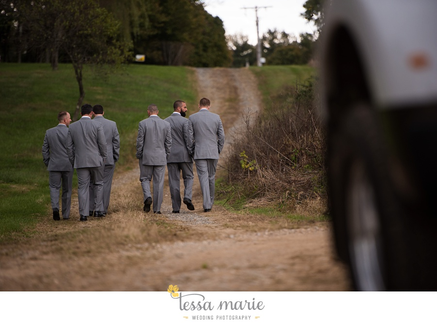 baltimore_outdoor_Wedding_pictures_fall_wedding_farm_wedding_tessa_marie_Weddings_0080