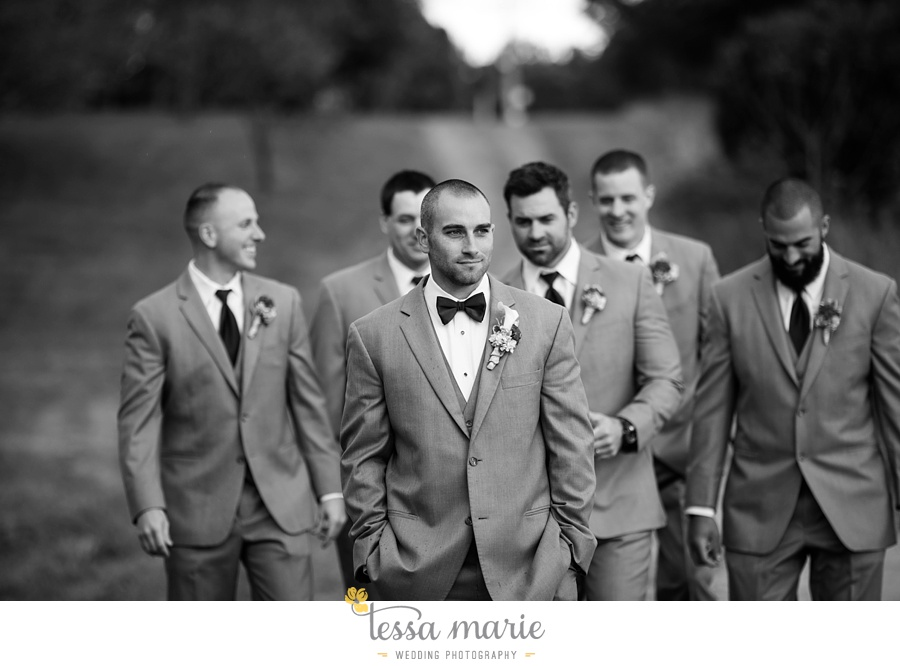baltimore_outdoor_Wedding_pictures_fall_wedding_farm_wedding_tessa_marie_Weddings_0082