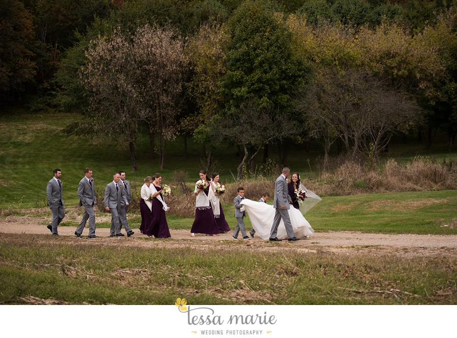 baltimore_outdoor_Wedding_pictures_fall_wedding_farm_wedding_tessa_marie_Weddings_0094
