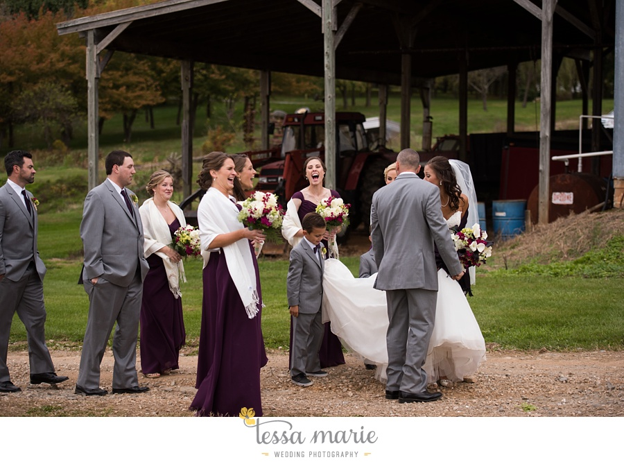 baltimore_outdoor_Wedding_pictures_fall_wedding_farm_wedding_tessa_marie_Weddings_0095