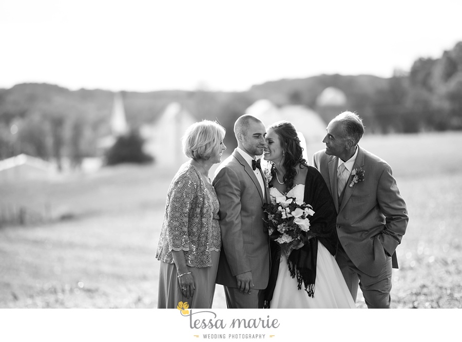 baltimore_outdoor_Wedding_pictures_fall_wedding_farm_wedding_tessa_marie_Weddings_0102