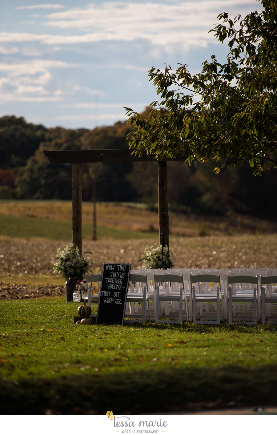 baltimore_outdoor_Wedding_pictures_fall_wedding_farm_wedding_tessa_marie_Weddings_0106