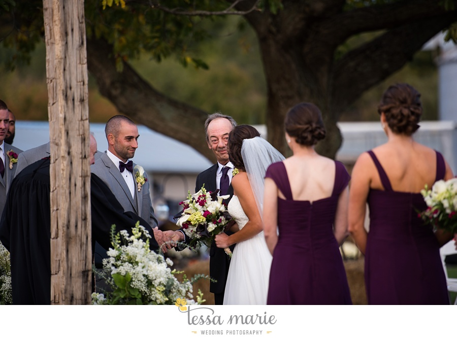 baltimore_outdoor_Wedding_pictures_fall_wedding_farm_wedding_tessa_marie_Weddings_0111