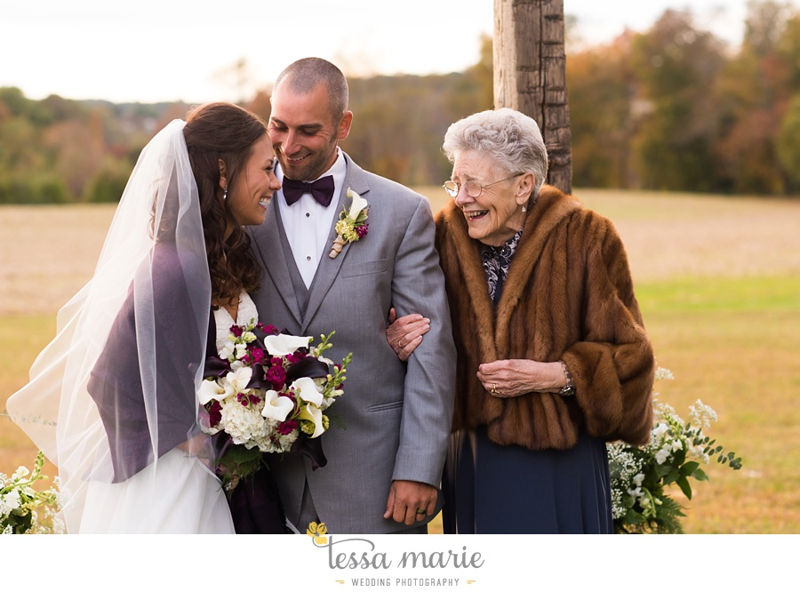 baltimore_outdoor_Wedding_pictures_fall_wedding_farm_wedding_tessa_marie_Weddings_0120
