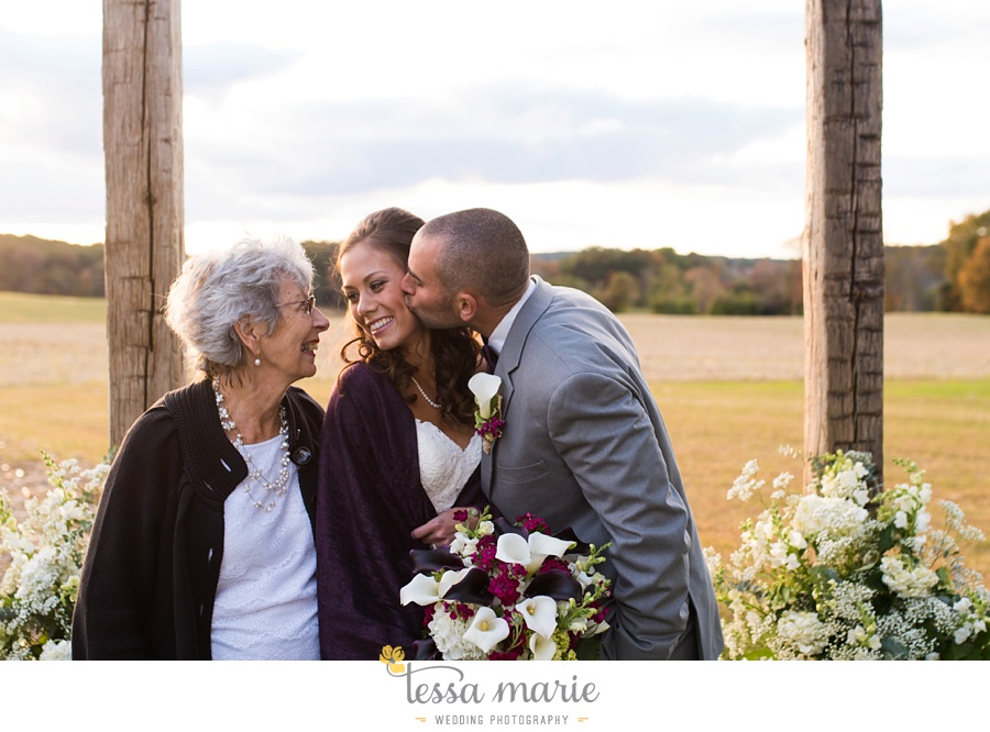 baltimore_outdoor_Wedding_pictures_fall_wedding_farm_wedding_tessa_marie_Weddings_0127
