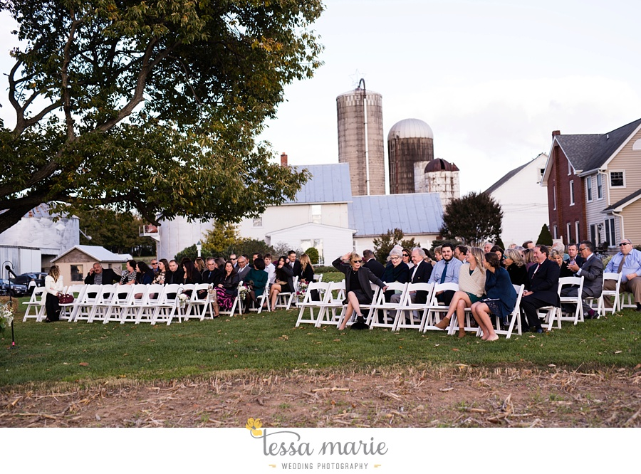 baltimore_outdoor_Wedding_pictures_fall_wedding_farm_wedding_tessa_marie_Weddings_0165