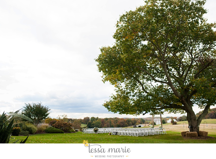 baltimore_outdoor_Wedding_pictures_fall_wedding_farm_wedding_tessa_marie_Weddings_0170