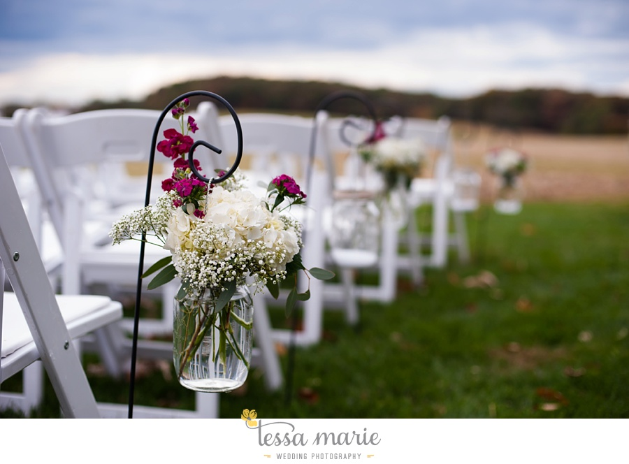 baltimore_outdoor_Wedding_pictures_fall_wedding_farm_wedding_tessa_marie_Weddings_0171