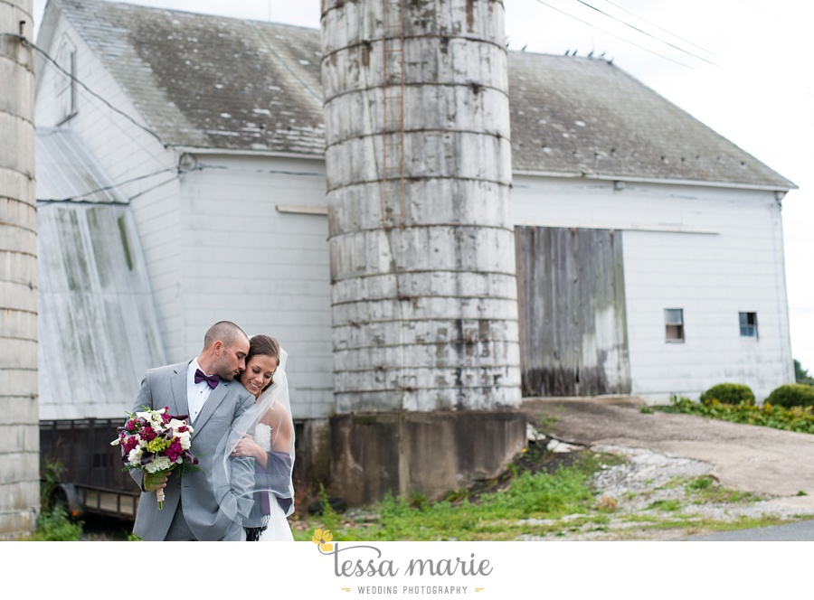 baltimore_outdoor_Wedding_pictures_fall_wedding_farm_wedding_tessa_marie_Weddings_0188