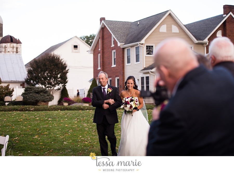 baltimore_outdoor_Wedding_pictures_fall_wedding_farm_wedding_tessa_marie_Weddings_0201