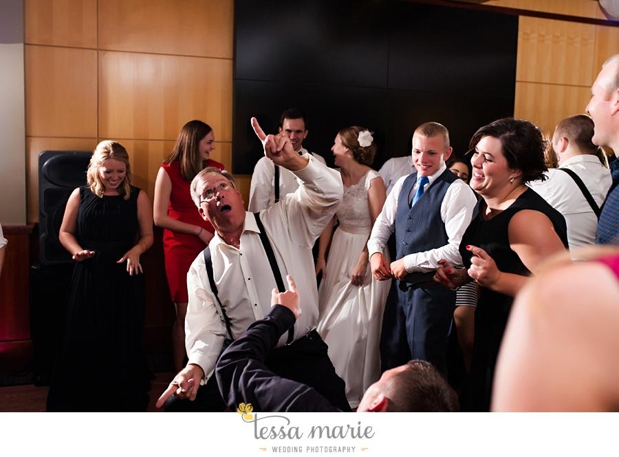 273_lauren_matthew_nebraska_wedding_pictures