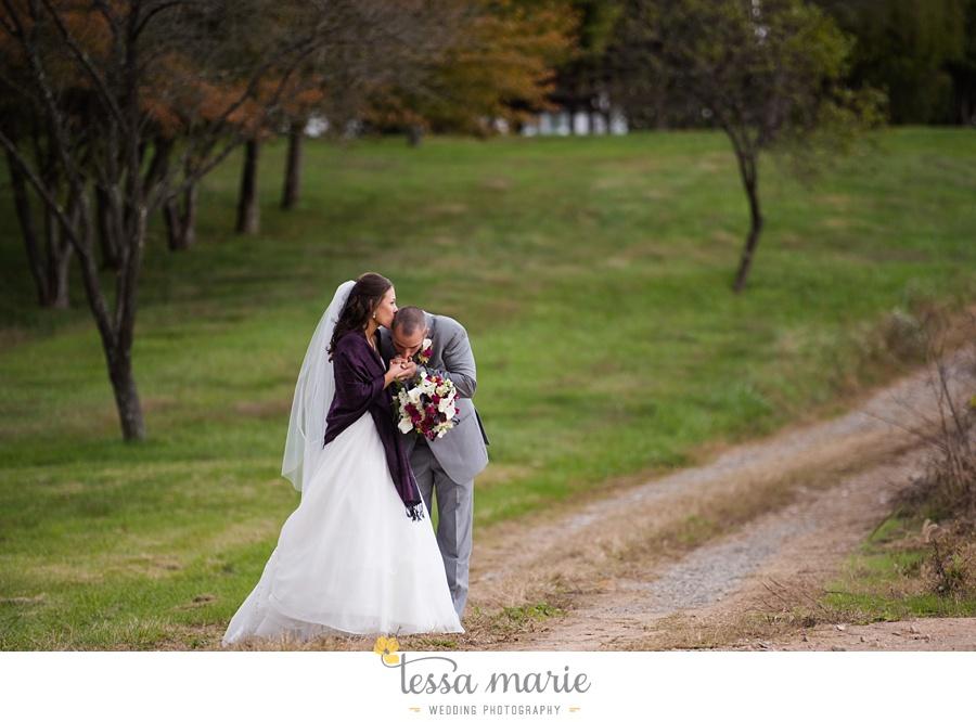 baltimore_outdoor_Wedding_pictures_fall_wedding_farm_wedding_tessa_marie_Weddings_0068