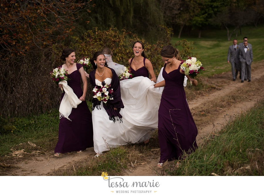 baltimore_outdoor_Wedding_pictures_fall_wedding_farm_wedding_tessa_marie_Weddings_0083