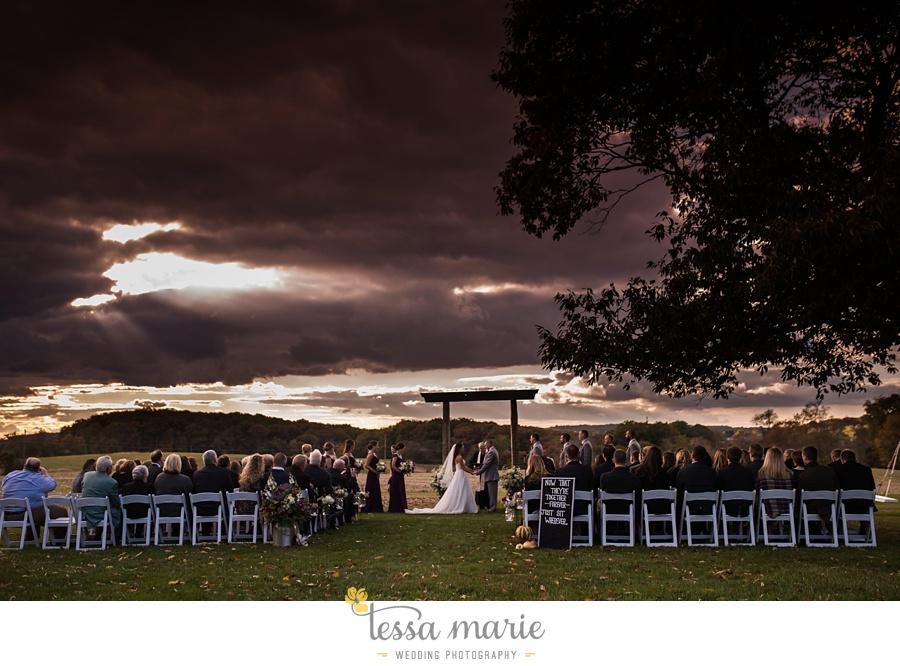 baltimore_outdoor_Wedding_pictures_fall_wedding_farm_wedding_tessa_marie_Weddings_0113