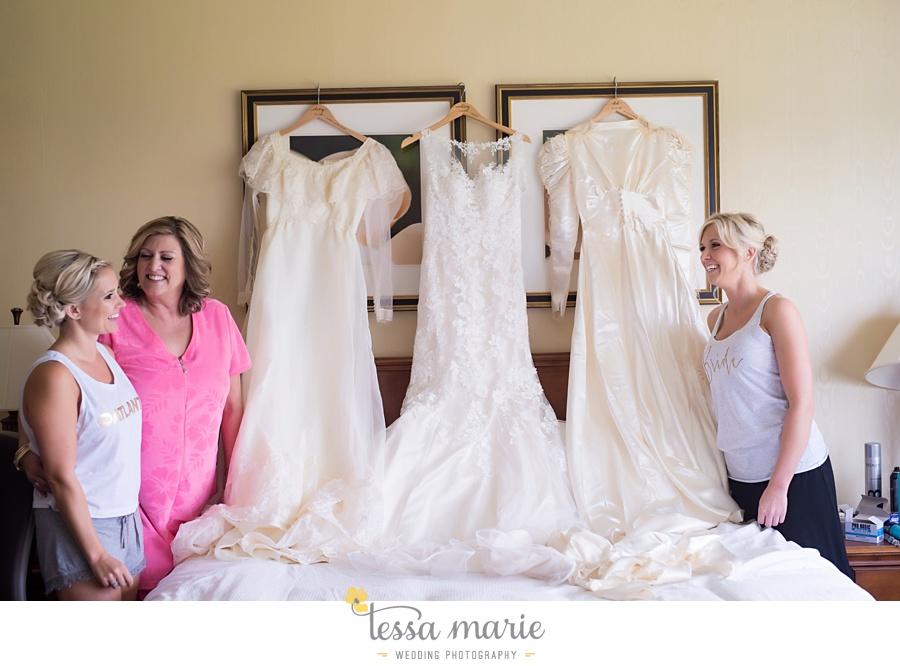 brickyard_marietta_wedding_pictures_tessa_marie_weddings_bouaktes_0008