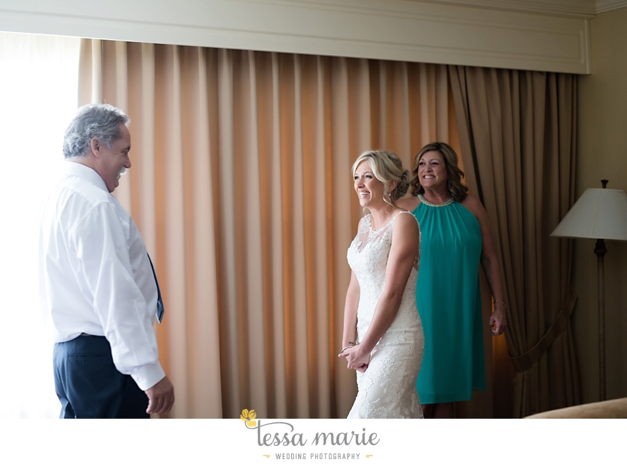brickyard_marietta_wedding_pictures_tessa_marie_weddings_bouaktes_0025