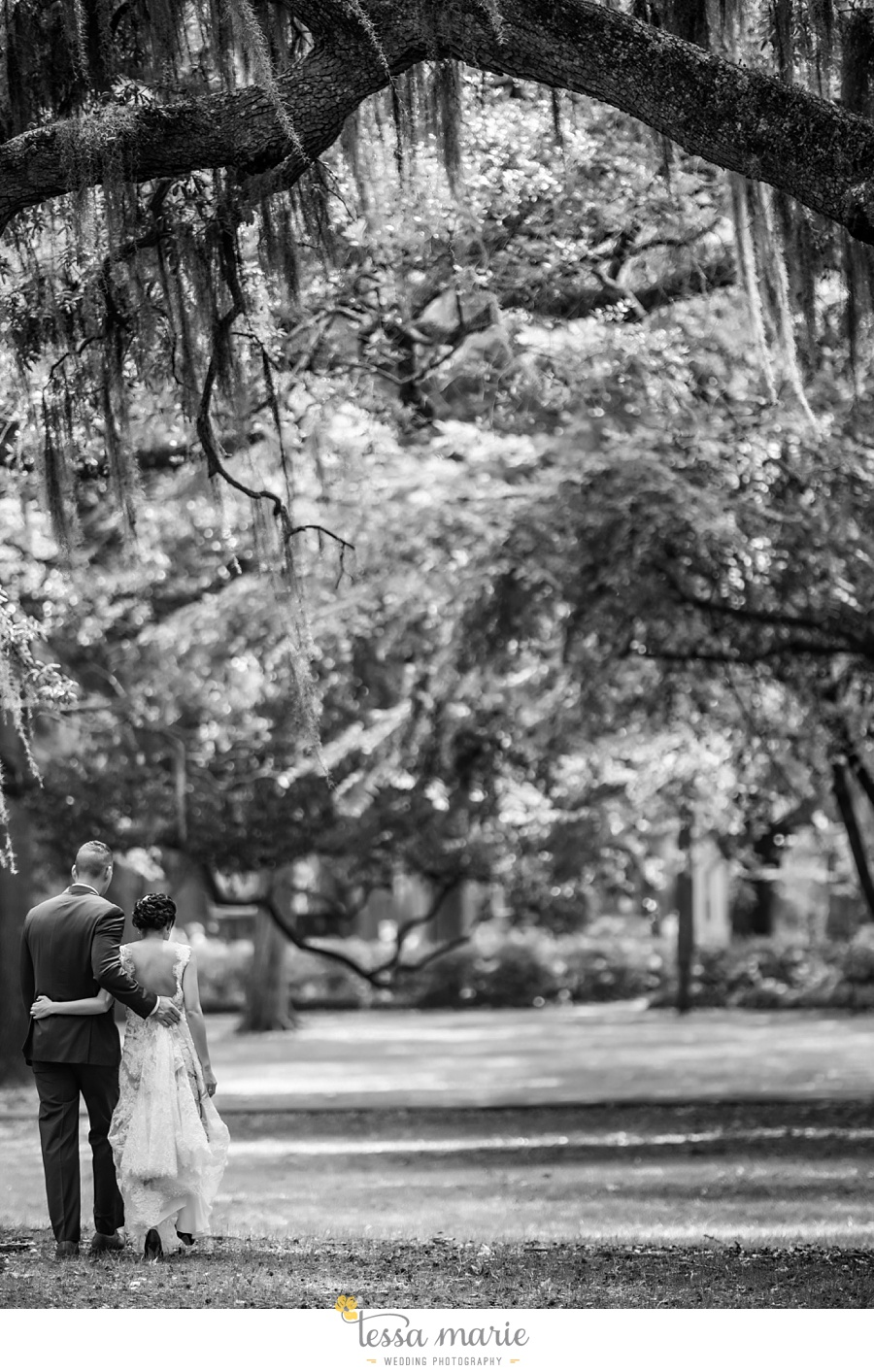 savannah_destination_wedding_photographer_wormsole_elopement_tessa_marie_weddings_essence_of_australia_gown_0068