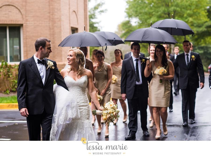 ventanas_wedding_pictures_tessa_marie_weddings_rainy_wedding_day_pictures_atlanta_skyline_wedding_0071