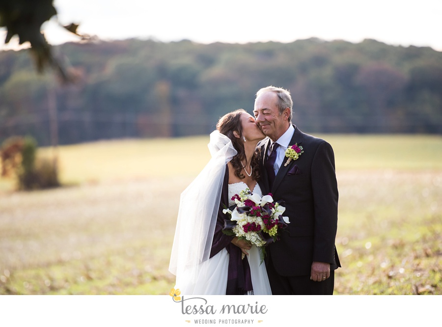 baltimore_outdoor_Wedding_pictures_fall_wedding_farm_wedding_tessa_marie_Weddings_0103