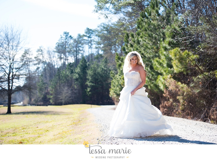 foxhall_outdoor_wedding_stables_pictures_tessa_marie_weddings_kayla_buck_bloomin_bouquets_joan_pillow_atlanta_wedding_pictures_0030