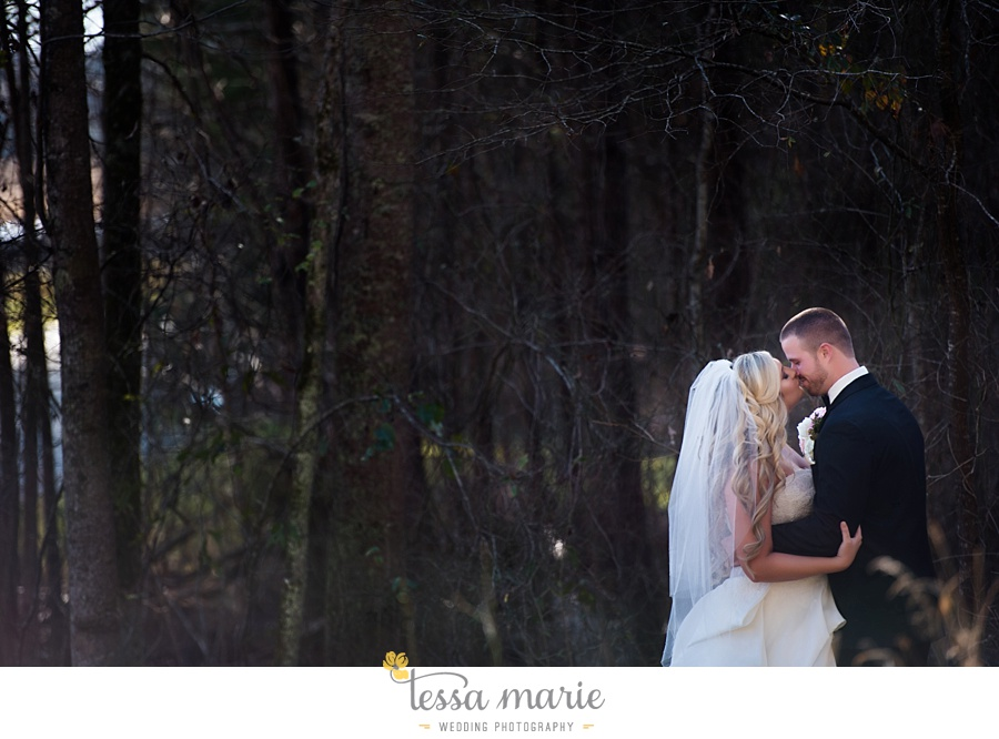 foxhall_outdoor_wedding_stables_pictures_tessa_marie_weddings_kayla_buck_bloomin_bouquets_joan_pillow_atlanta_wedding_pictures_0057