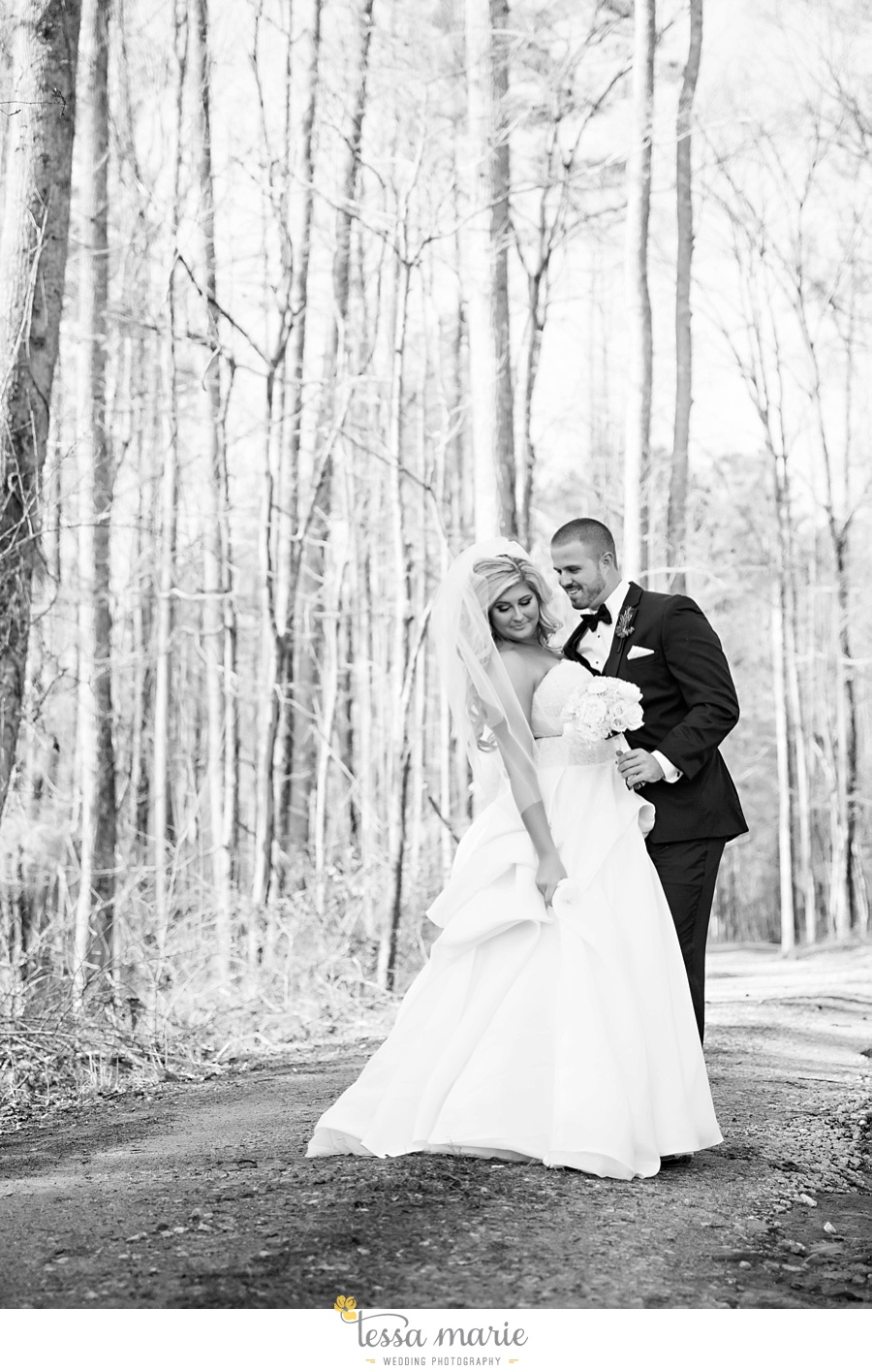 foxhall_outdoor_wedding_stables_pictures_tessa_marie_weddings_kayla_buck_bloomin_bouquets_joan_pillow_atlanta_wedding_pictures_0062