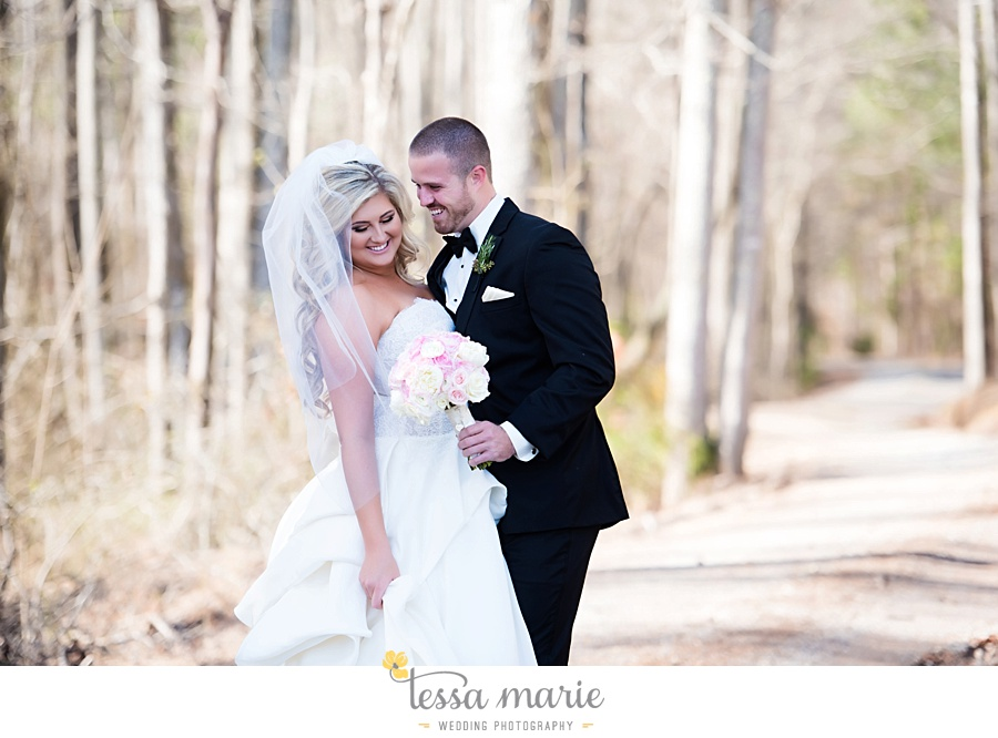 foxhall_outdoor_wedding_stables_pictures_tessa_marie_weddings_kayla_buck_bloomin_bouquets_joan_pillow_atlanta_wedding_pictures_0064