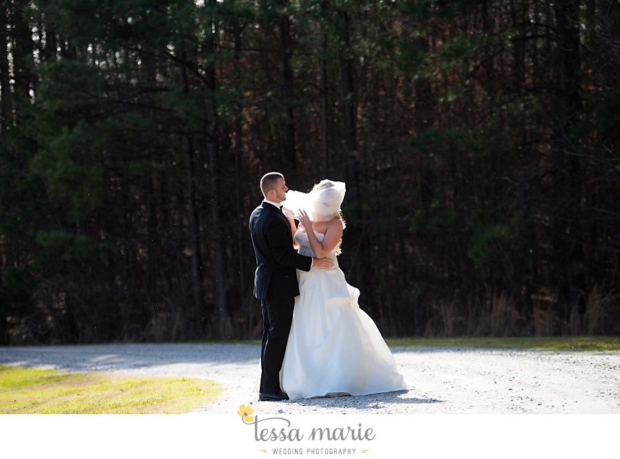 foxhall_outdoor_wedding_stables_pictures_tessa_marie_weddings_kayla_buck_bloomin_bouquets_joan_pillow_atlanta_wedding_pictures_0070