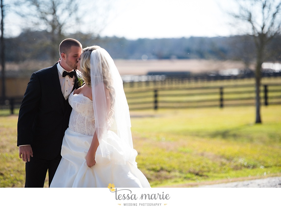 foxhall_outdoor_wedding_stables_pictures_tessa_marie_weddings_kayla_buck_bloomin_bouquets_joan_pillow_atlanta_wedding_pictures_0081