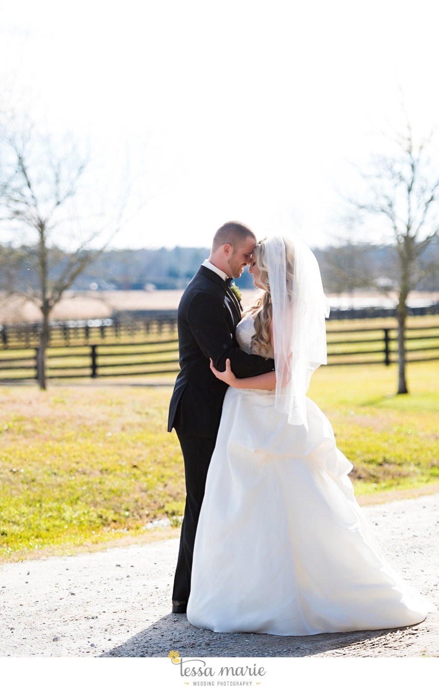 foxhall_outdoor_wedding_stables_pictures_tessa_marie_weddings_kayla_buck_bloomin_bouquets_joan_pillow_atlanta_wedding_pictures_0083