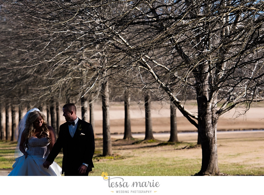 foxhall_outdoor_wedding_stables_pictures_tessa_marie_weddings_kayla_buck_bloomin_bouquets_joan_pillow_atlanta_wedding_pictures_0117