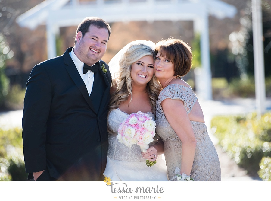 foxhall_outdoor_wedding_stables_pictures_tessa_marie_weddings_kayla_buck_bloomin_bouquets_joan_pillow_atlanta_wedding_pictures_0121