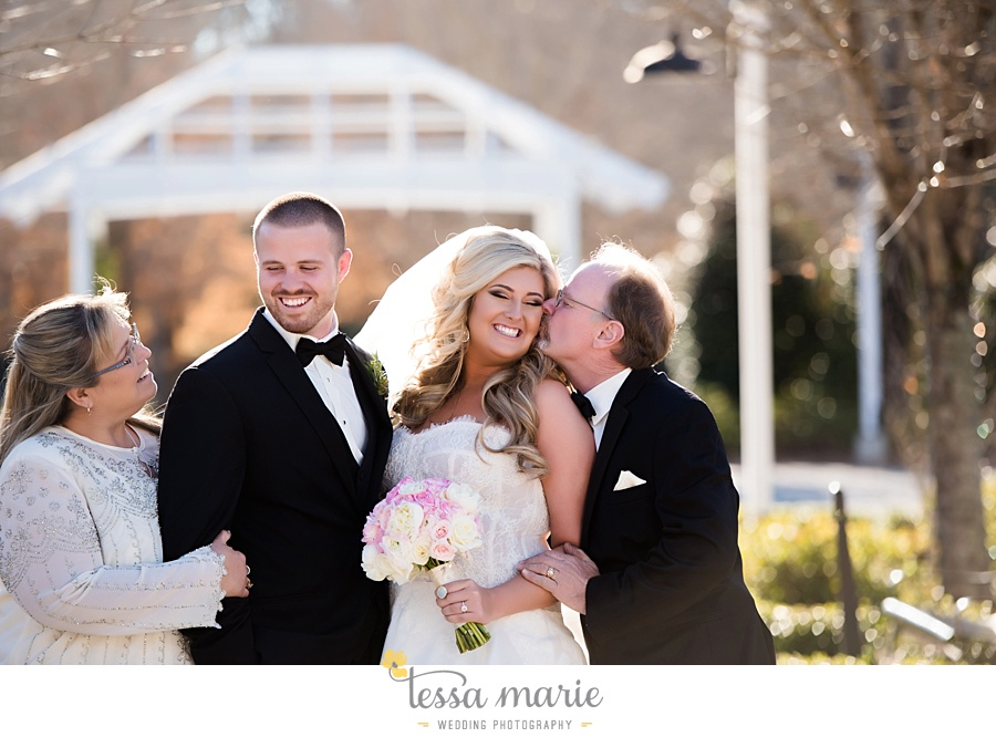 foxhall_outdoor_wedding_stables_pictures_tessa_marie_weddings_kayla_buck_bloomin_bouquets_joan_pillow_atlanta_wedding_pictures_0125