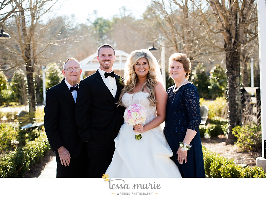 foxhall_outdoor_wedding_stables_pictures_tessa_marie_weddings_kayla_buck_bloomin_bouquets_joan_pillow_atlanta_wedding_pictures_0139
