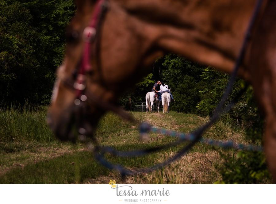 savannah_elopement_pictures_horseback_trail_ride_engagement_pictures_0054