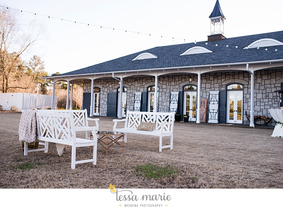 foxhall_outdoor_wedding_stables_pictures_tessa_marie_weddings_kayla_buck_bloomin_bouquets_joan_pillow_atlanta_wedding_pictures_0169
