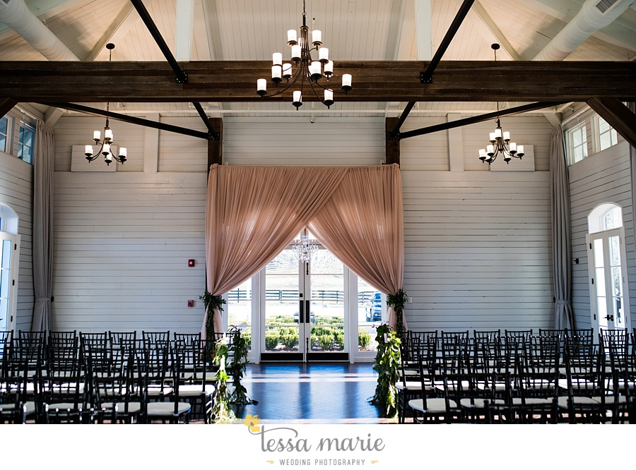 foxhall_outdoor_wedding_stables_pictures_tessa_marie_weddings_kayla_buck_bloomin_bouquets_joan_pillow_atlanta_wedding_pictures_0170