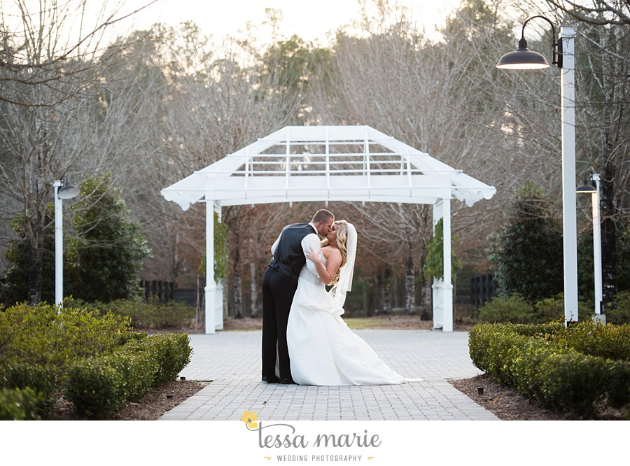 foxhall_outdoor_wedding_stables_pictures_tessa_marie_weddings_kayla_buck_bloomin_bouquets_joan_pillow_atlanta_wedding_pictures_0180