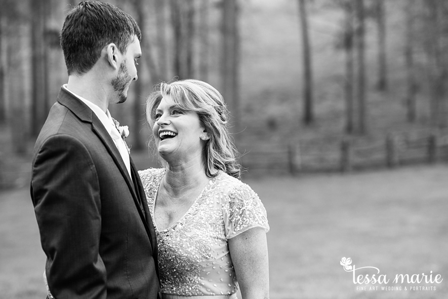 walters_barn_tessa_marie_Weddings_outdoor_wedding_photographer_passion_moments_stories_0041