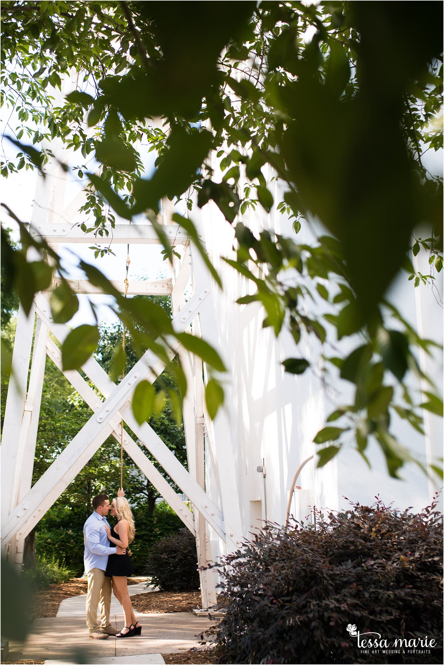 athens_ga_uga_university_of_georgia_engagement_pictures_north_campus_tessa_marie_weddings_athens_wedding_photographer_0027