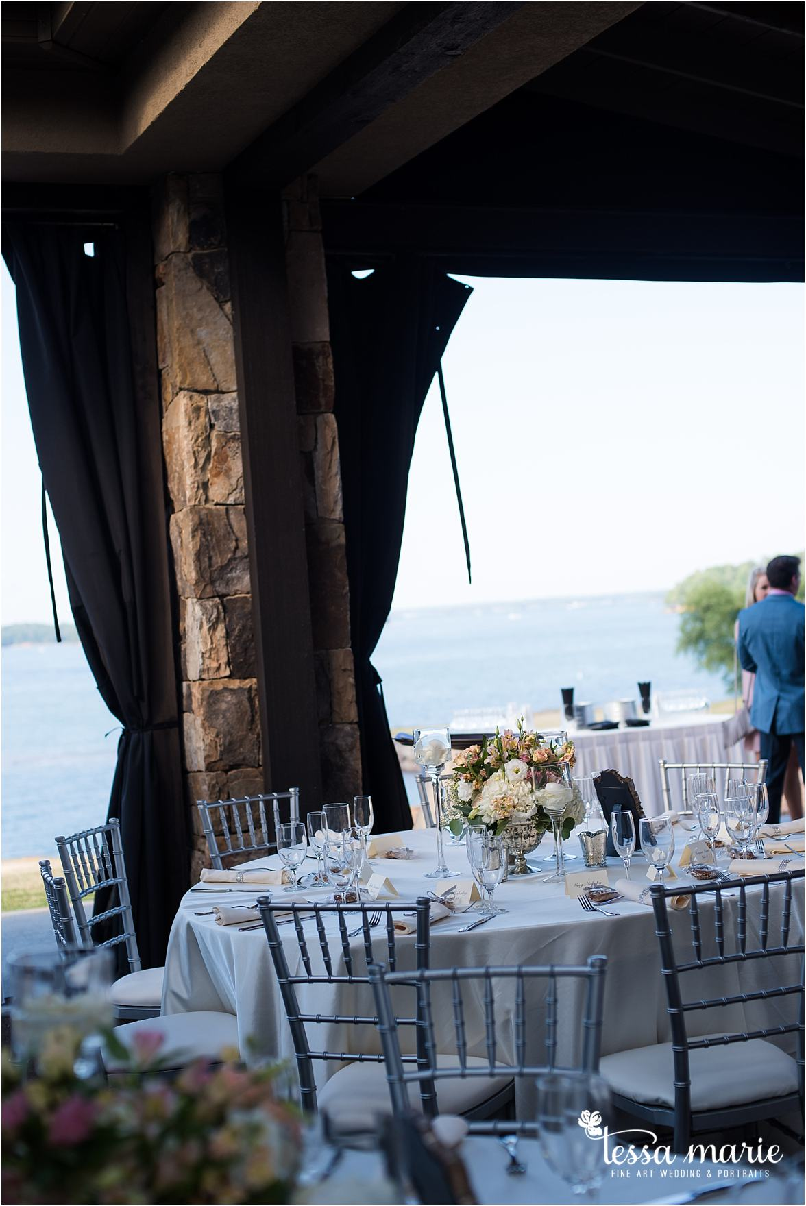 lake_lanier_wedding_summer_pictures_legacy_moments_family_candid_atlantas_best_wedding_photographer_tessa_marie_weddings_lake_lanier_bride_out_door_wedding_0002