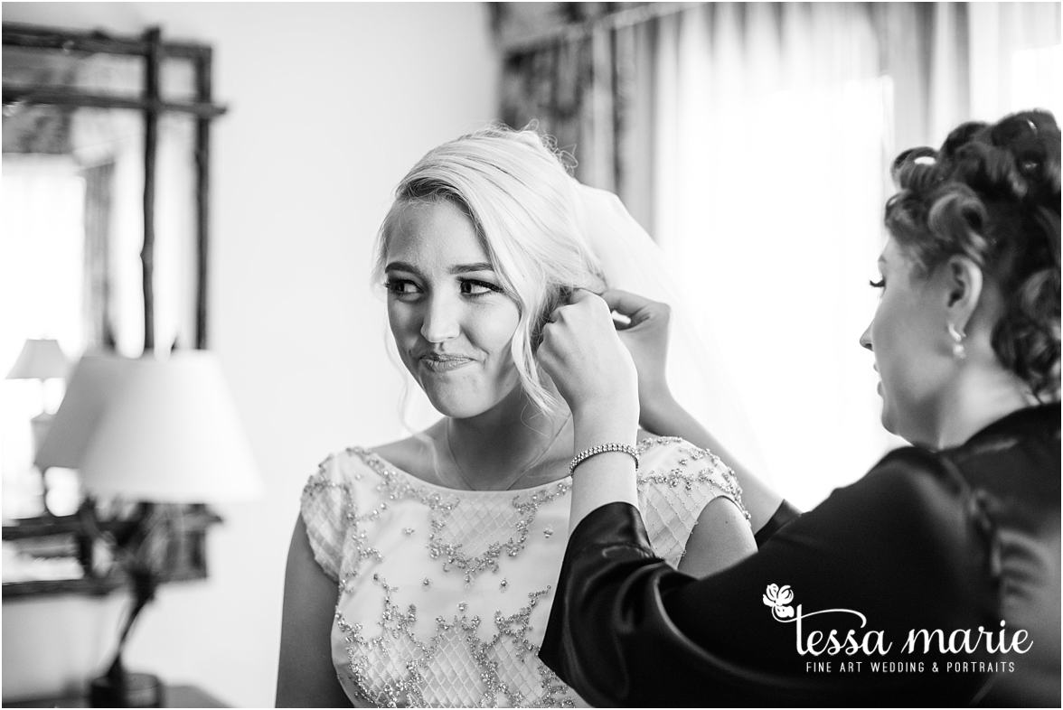 lake_lanier_wedding_summer_pictures_legacy_moments_family_candid_atlantas_best_wedding_photographer_tessa_marie_weddings_lake_lanier_bride_out_door_wedding_0066