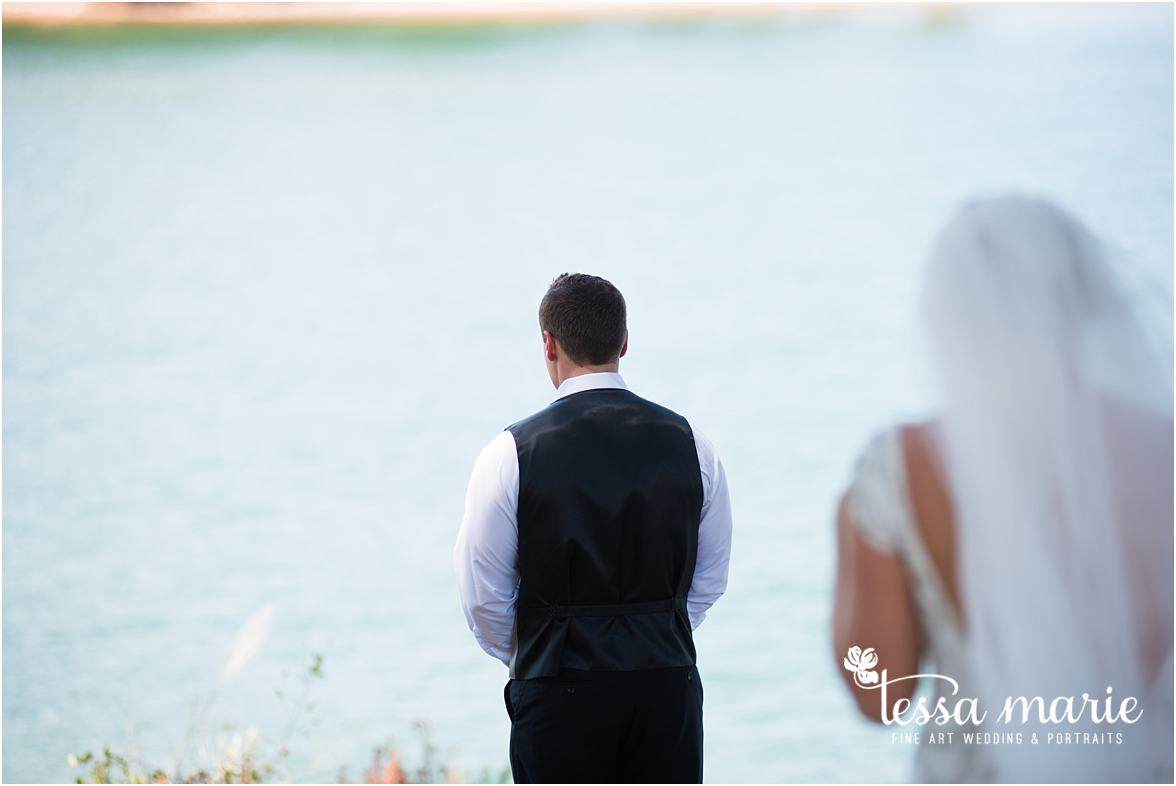 lake_lanier_wedding_summer_pictures_legacy_moments_family_candid_atlantas_best_wedding_photographer_tessa_marie_weddings_lake_lanier_bride_out_door_wedding_0072