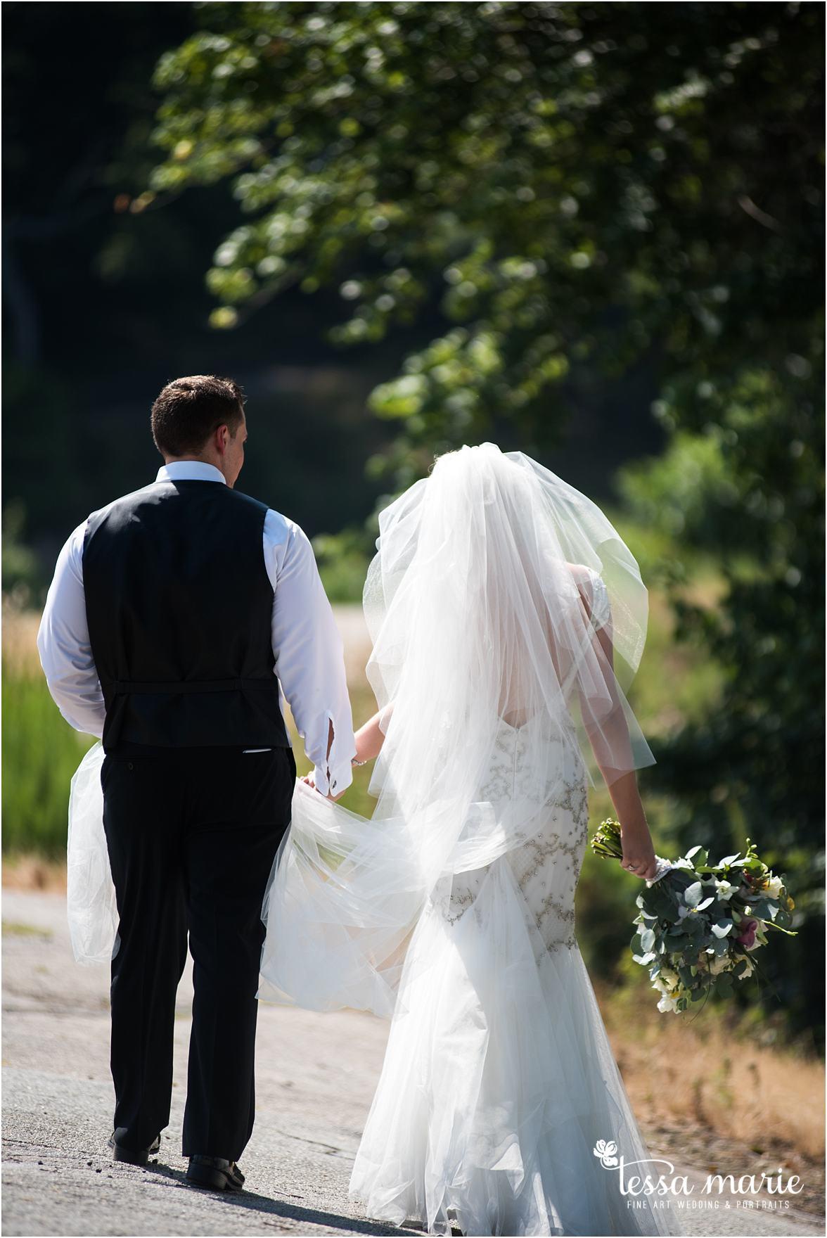 lake_lanier_wedding_summer_pictures_legacy_moments_family_candid_atlantas_best_wedding_photographer_tessa_marie_weddings_lake_lanier_bride_out_door_wedding_0142
