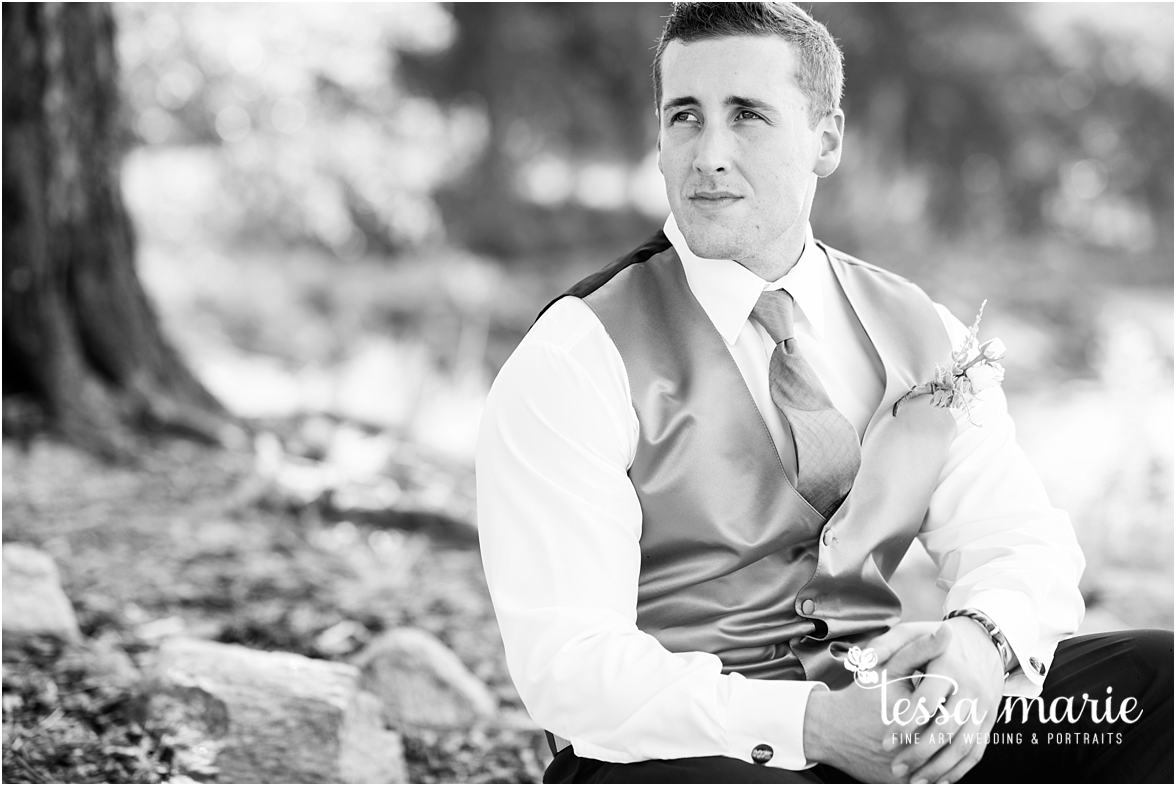 lake_lanier_wedding_summer_pictures_legacy_moments_family_candid_atlantas_best_wedding_photographer_tessa_marie_weddings_lake_lanier_bride_out_door_wedding_0157