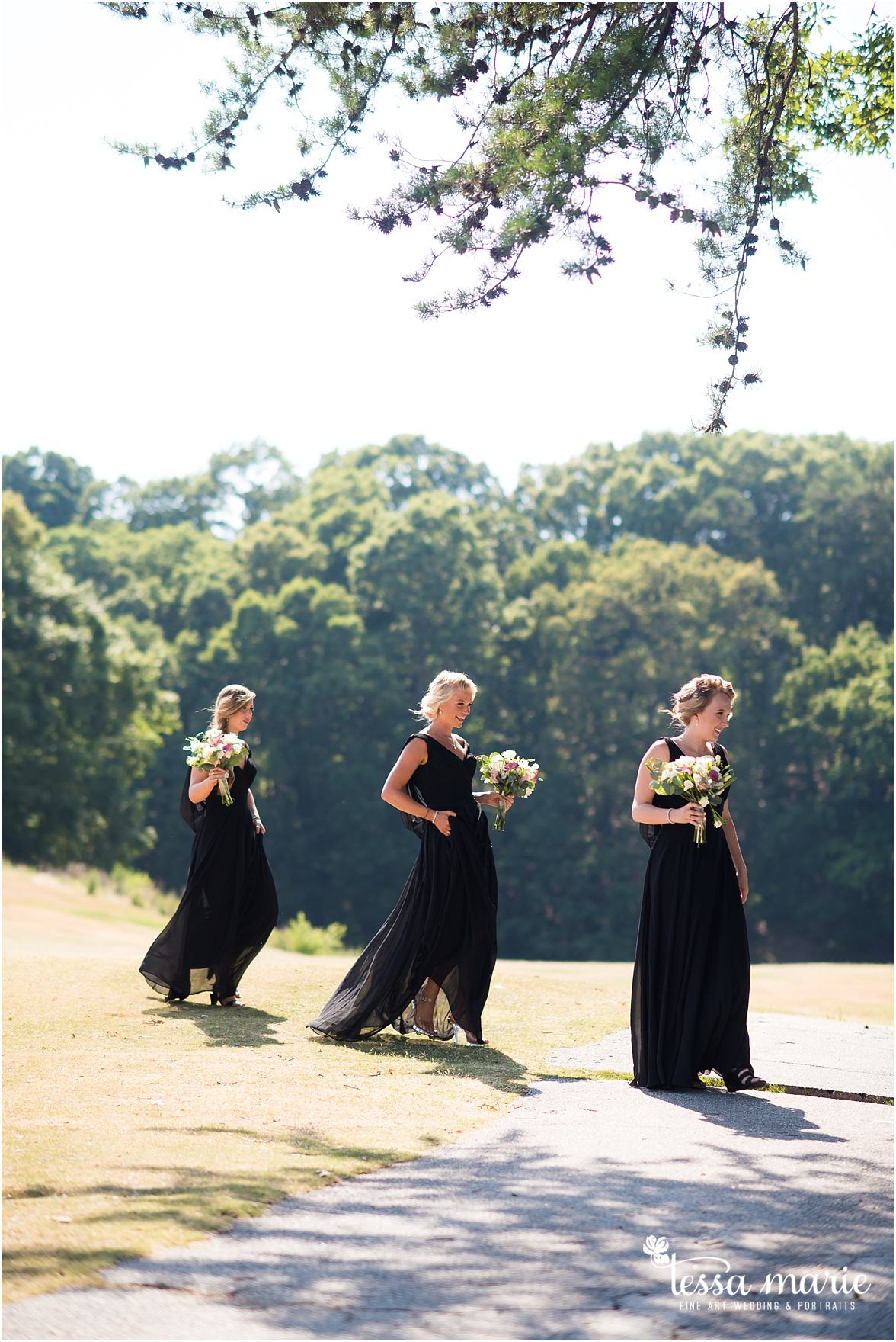 lake_lanier_wedding_summer_pictures_legacy_moments_family_candid_atlantas_best_wedding_photographer_tessa_marie_weddings_lake_lanier_bride_out_door_wedding_0198